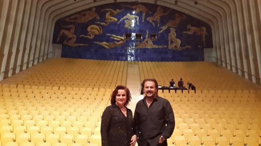 Pimpinela, en el Palau de les Arts, antes de su actuación. / @Pimpinelanet