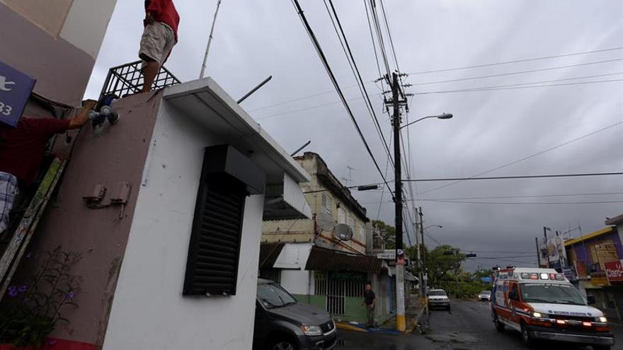 Un 56% de los abonados de electricidad en Puerto Rico ya cuenta con servicio tras Irma