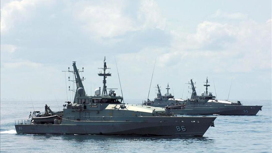 Denuncian que la Armada australiana disparó al aire para parar a inmigrantes