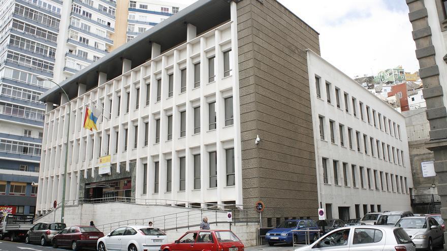 Edificio del Ministerio de Hacienda y Administraciones Públicas en Las Palmas de Gran Canaria (ALEJANDRO RAMOS)