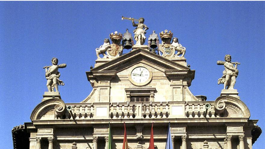 El pleno de Pamplona rechaza los Presupuestos de 2019 al abstenerse Aranzadi