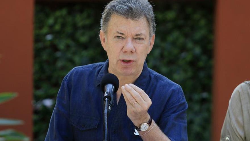 Santos pide a autoridad monetaria no elevar más las tasas de interés en Colombia