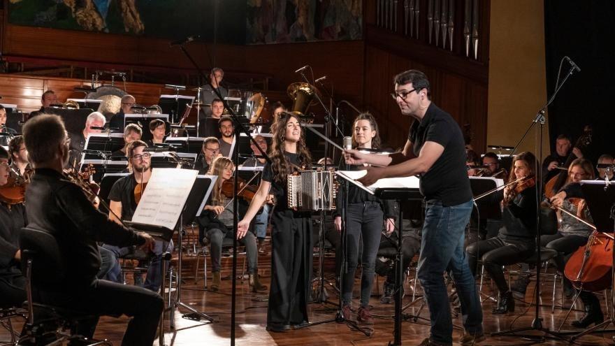 Euskadiko Orkestra presenta tres vídeos grabados con el grupo Huntza, bajo la dirección de Fernando Velázquez