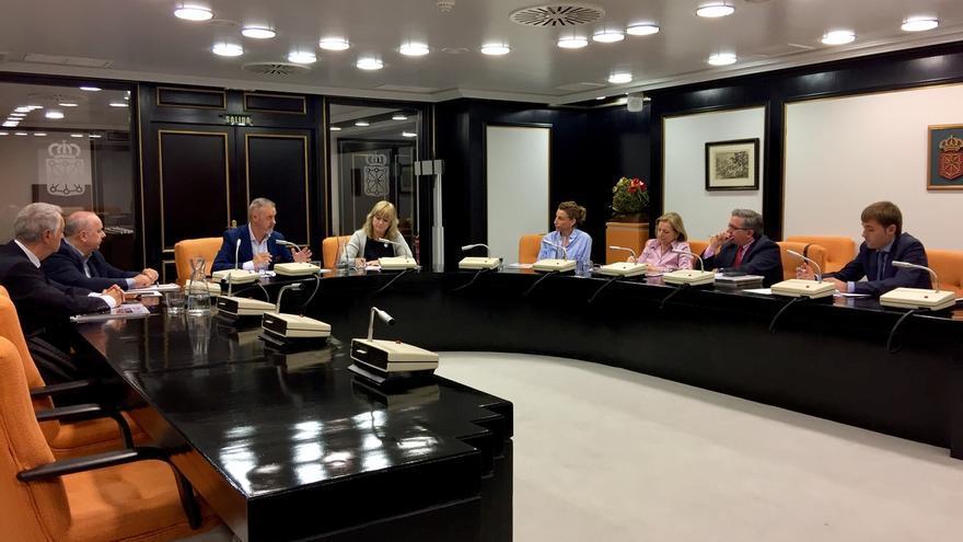 El Gobierno de Navarra se reúne con las asociaciones de víctimas del terrorismo