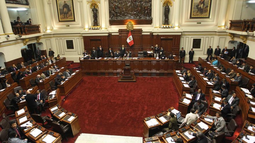 """Gobierno de Perú acudirá a tribunal contra leyes que piden """"sumas impagables"""""""