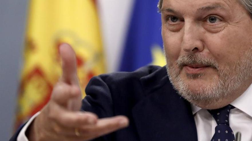 """Méndez de Vigo expresa su """"dolor"""" por el error con el Premio de Traducción"""