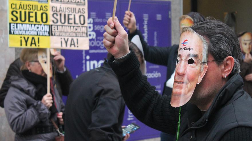Manifestación de protesta contra las cláusulas suelo. Foto: ADICAE.