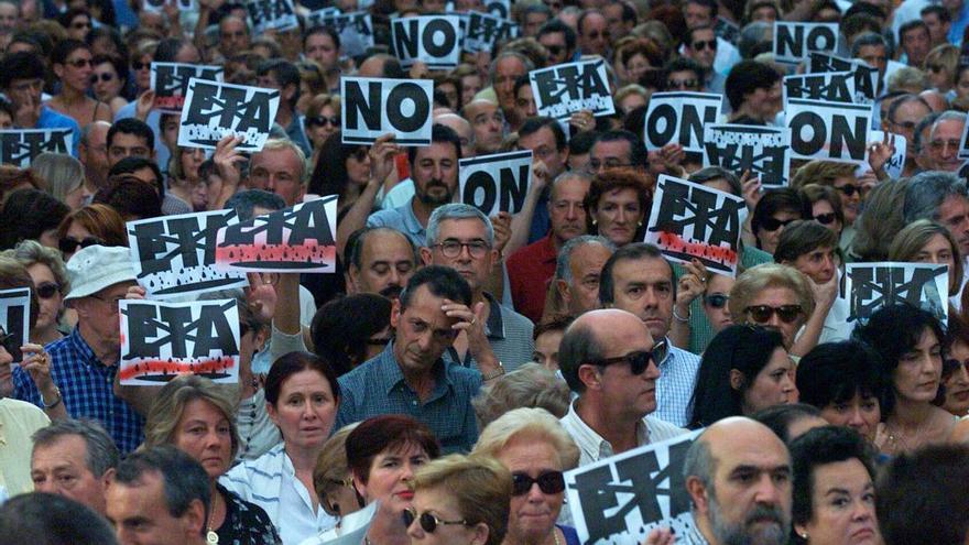 La respuesta ciudadana contra el terrorismo creció en los últimos años de actividad de ETA. Foto: Santos Cirilo / Arovite