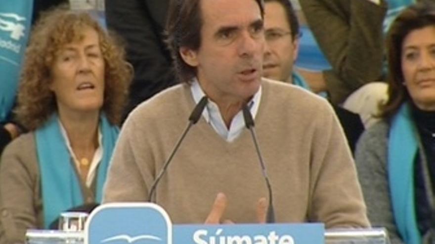 """Aznar: """"Han aceptado las puñaladas de la UE"""""""