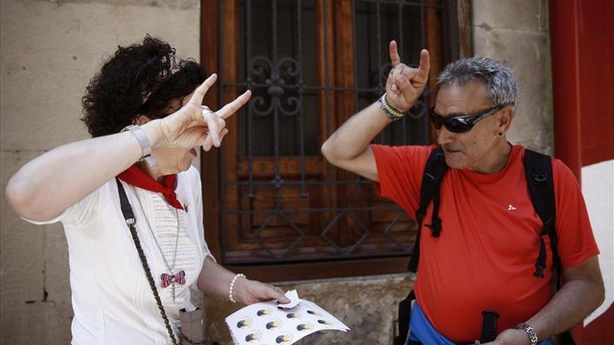 Personas sordas de toda España salen a la calle para mostrar la lengua de signos