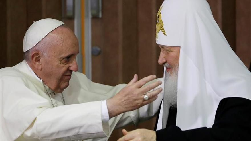 """Fidel Castro dice que la reunión de el papa y Kiril ha dado """"esperanza"""" al mundo"""
