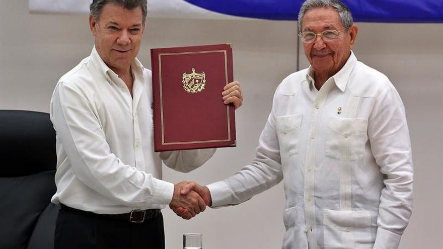 Santos afirma que el acuerdo final de paz con las FARC se firmará en Colombia