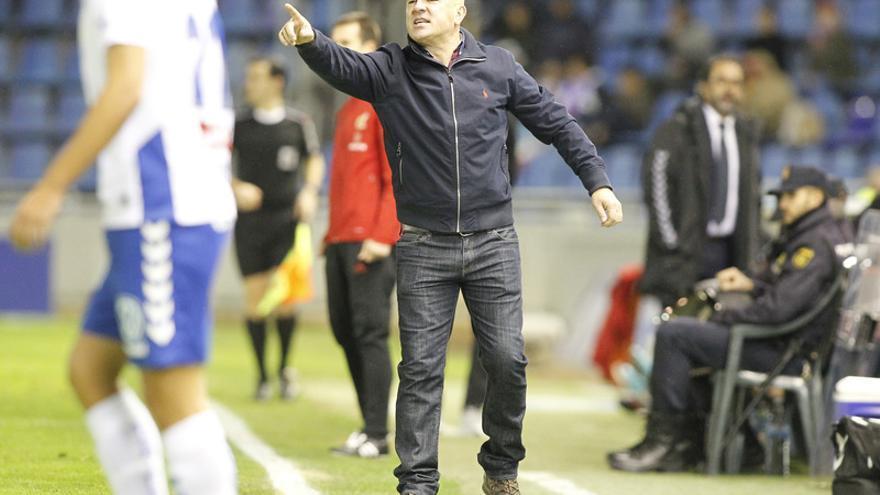 Luis César Sampedro, durante el CD Tenerife-Real Valladolid de la temporada pasada.