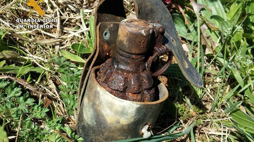 Encuentran una granada de mano cargada cuando reparaban una vivienda en Cabezón de Liébana
