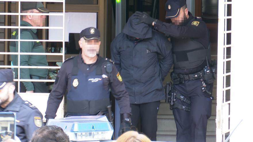 Jorge Ignacio P.J sale de los juzgados de Alzira.