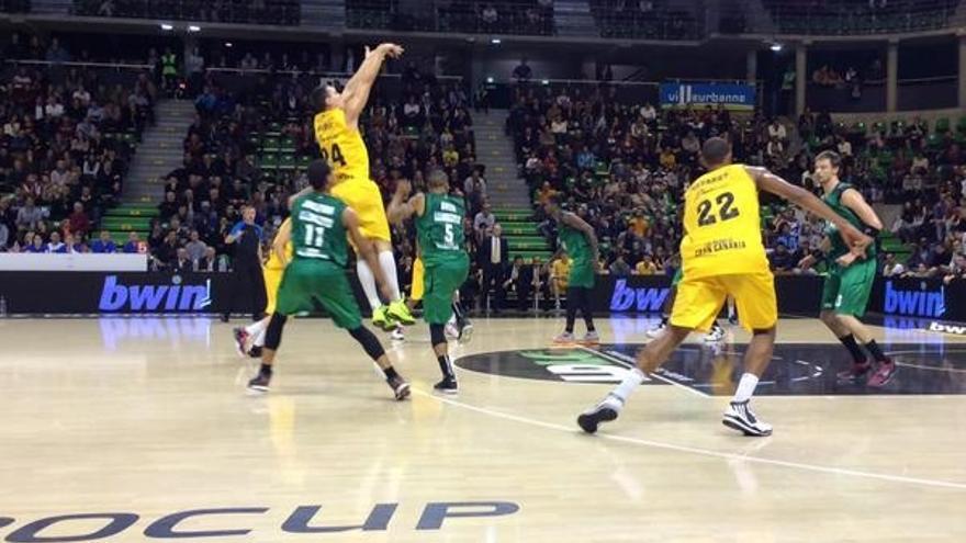 Momento del partido de este miércoles entre el Lyon y el Herbalife Gran Canaria. Foto: cbgrancanaria.net.