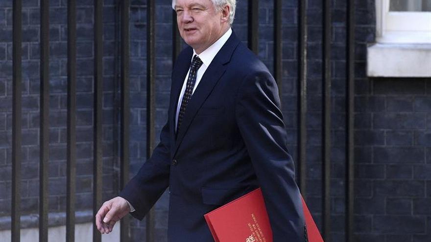"""La UE y el Reino Unido confirman que empezarán a negociar el """"brexit"""" el día 19"""