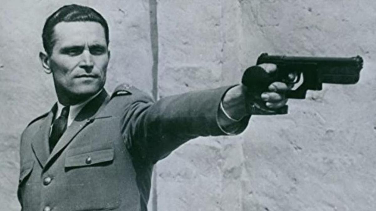 Karoly Takacs, dos oros en tiro en Londres 1948 y  y Helsinki 1952.