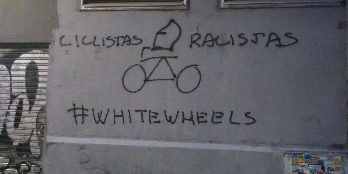Imagen de la pintada racista en la calle Muños Torrero   SOMOS MALASAÑA