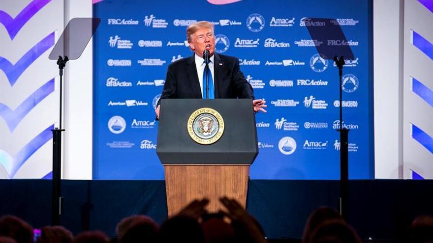 """Trump pedirá al Congreso que imponga """"líneas rojas"""" al pacto nuclear con Irán"""