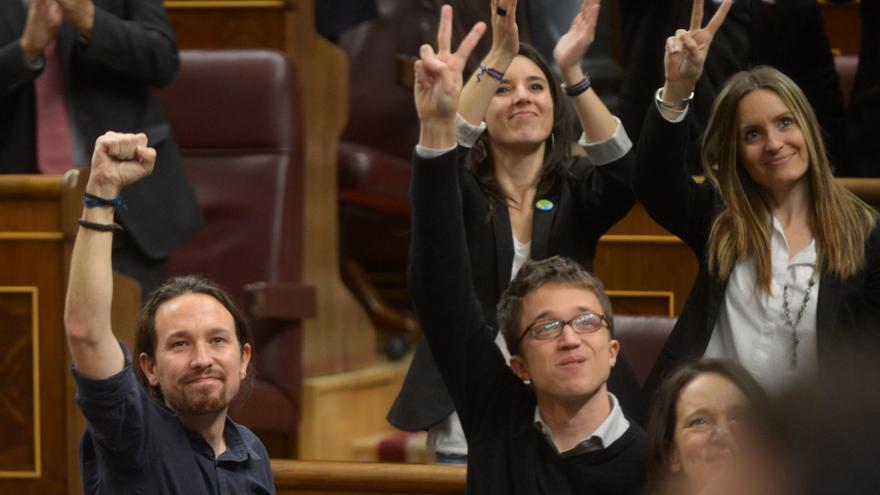 Los diputados de Podemos Pablo Iglesias, Irene Montero e Íñigo Errejón, el 13 de enero de 2016 durante la sesión constitutiva del Congreso de los Diputados de la XI Legislatura.