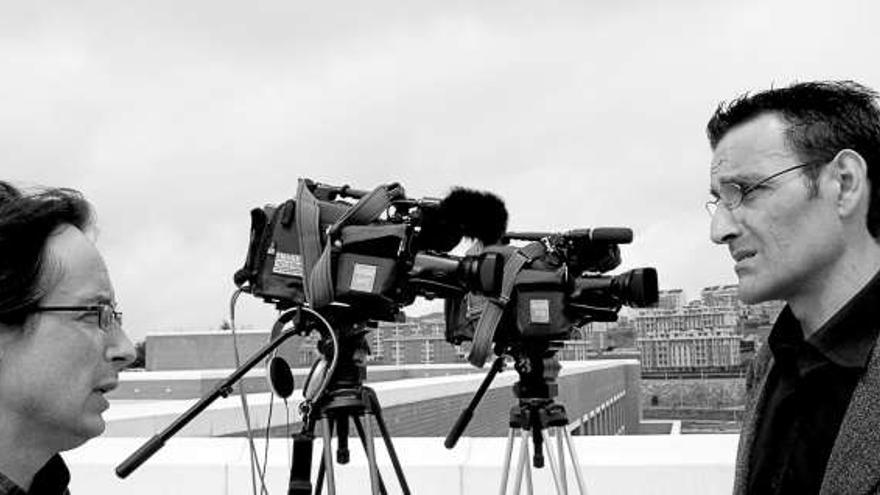 Iñaki Pinedo es el director de este documental rodado en Santander.