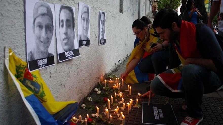 Casi 30 años de cárcel para un comisario venezolano por una muerte en las protestas 2014