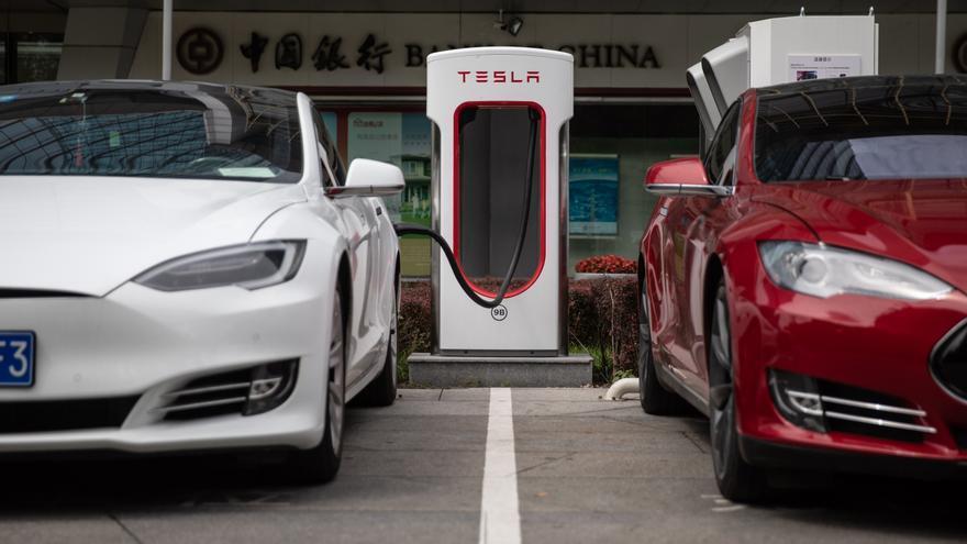 Los coches eléctricos en países emergentes acabarán con la era del petróleo, según un informe