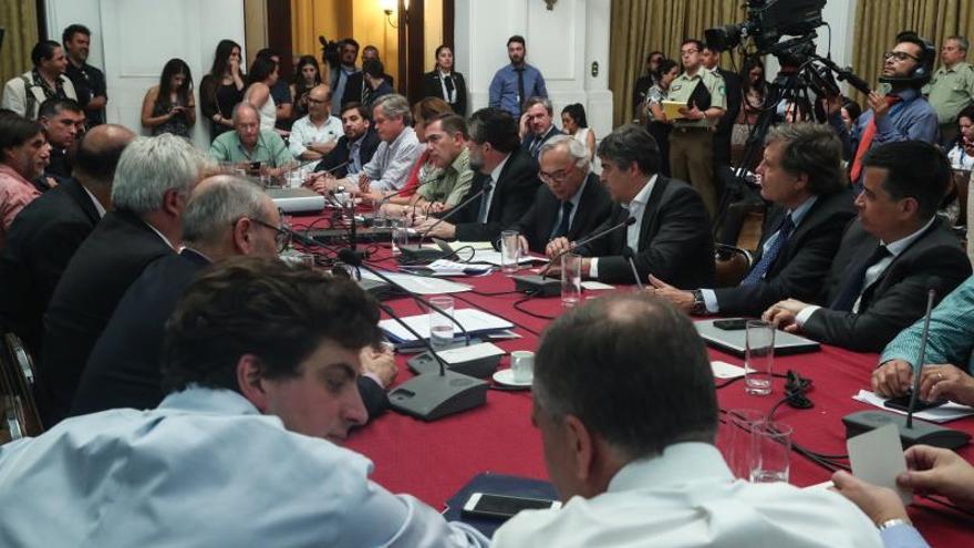 Diputados chilenos aprueban un proyecto que obliga a los clérigos a denunciar abusos