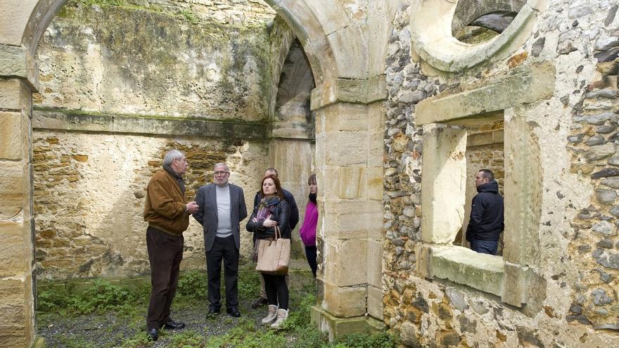 Cultura colaborará con el ayuntamiento para fomentar el Camino de Santiago