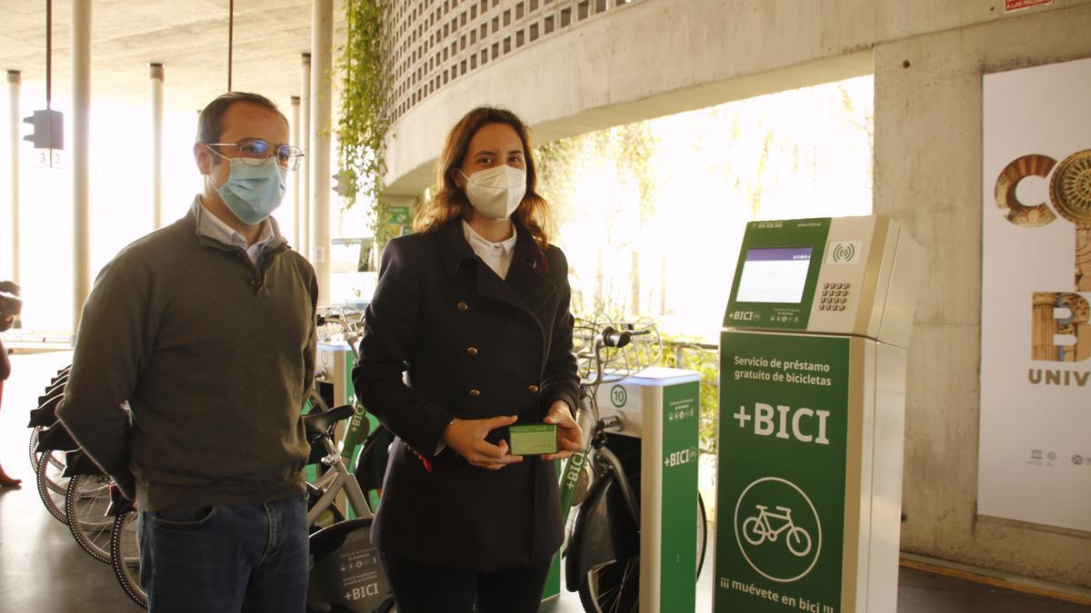 Servicio de préstamo de bicicletas de la estación de autobuses