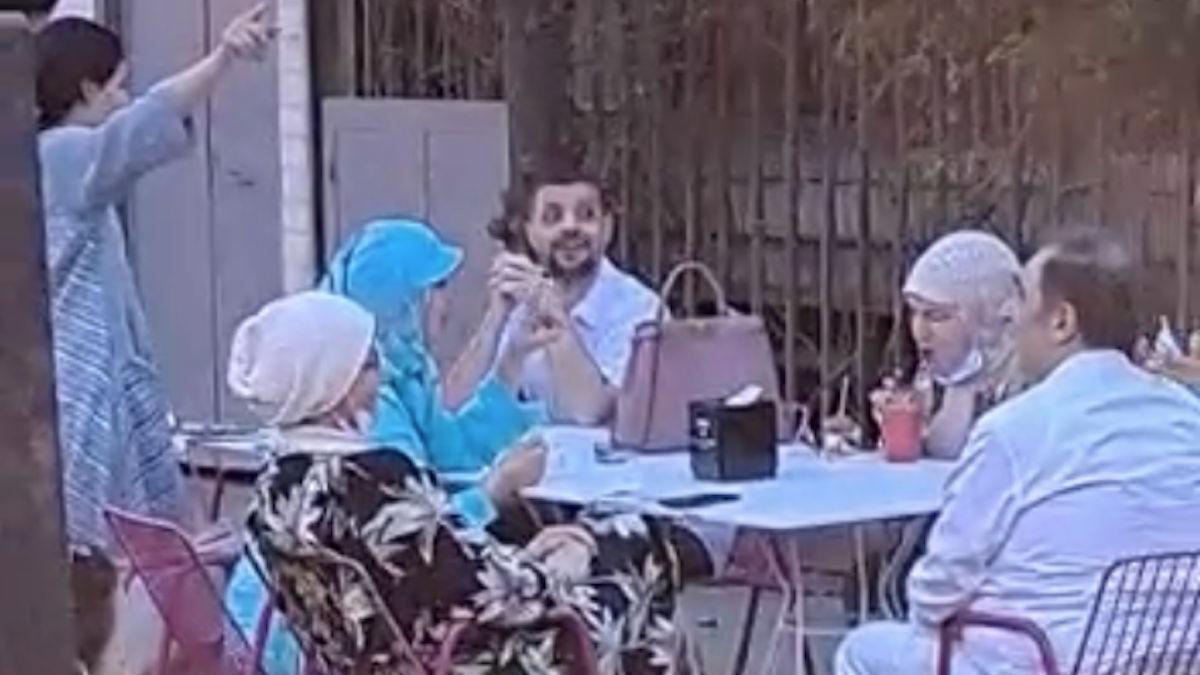 Miembros de la familia real saudí en el Mercado Victoria.
