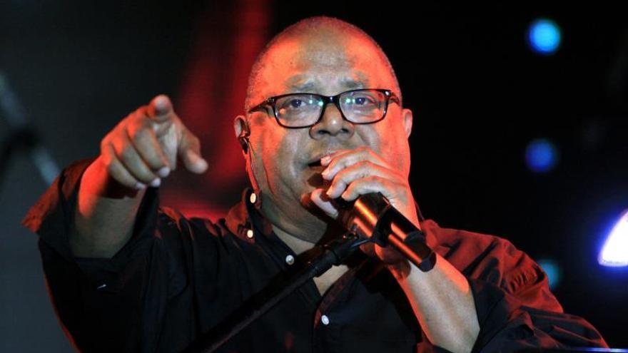 El cantautor cubano Pablo Milanés explora el territorio del rock