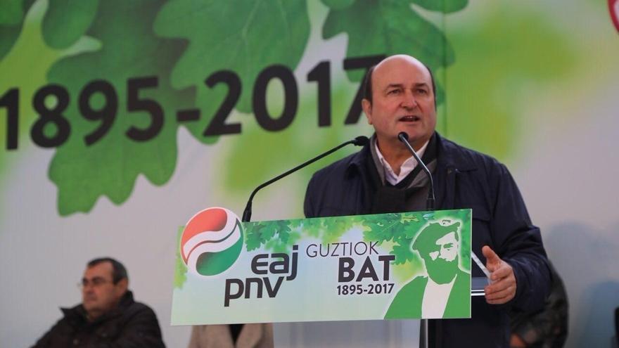 """Ortuzar dice que """"es hora de negociar el estatus político"""" de Euskadi y Cataluña"""" desde el diálogo y no del 155"""