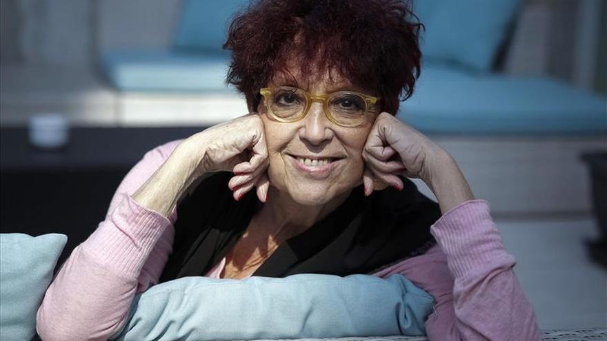Maruja Torres: Manuela Carmena representa lo que la derecha feroz más odia