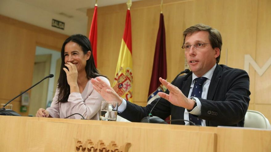 José Luis Martínez-Almeida y Begoña Villacís, tras una Junta de Gobierno. / Ayuntamiento de Madrid