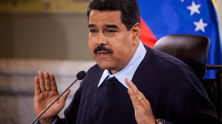 Nicolás Maduro hace entrega de 300 casas a Dominica para paliar efectos Erika