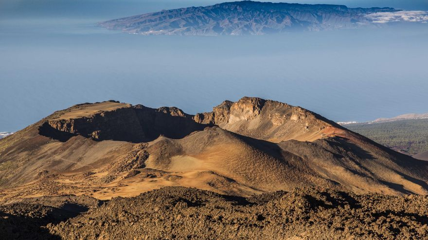 La instantánea 'Pico Viejo I' de Tenerife, realizada por Rafael Cedrés Jorge, con 123 puntos, ha conseguido la mayor puntuación en el 'I Concurso de Fotografía Volcánica de Canarias'.