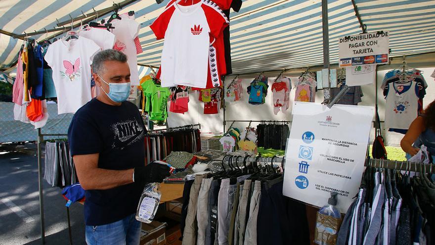 Primer día de mercadillo en Alcolea con la fase 3 | MADERO CUBERO