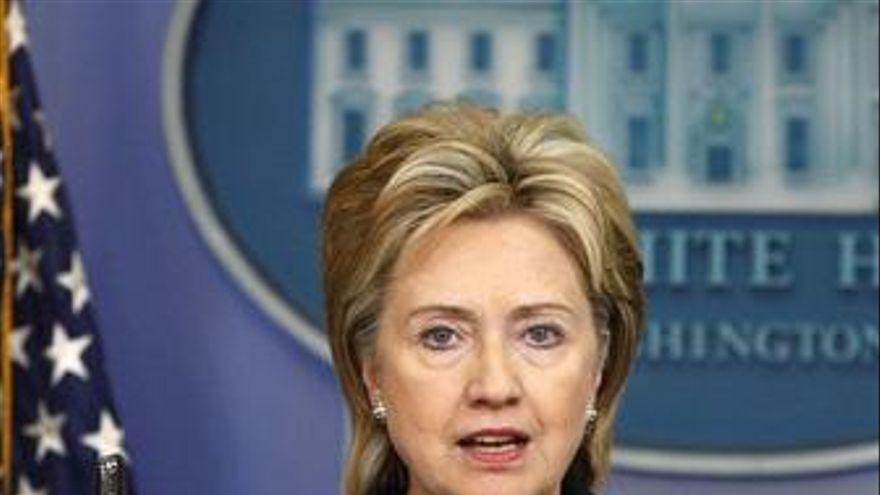 Clinton asegura que es muy probable que gane Karzai si hay una segunda vuelta