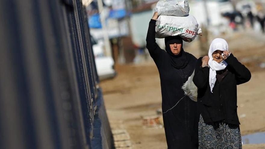 Un paso fronterizo desierto es el cordón umbilical de la Alepo rebelde