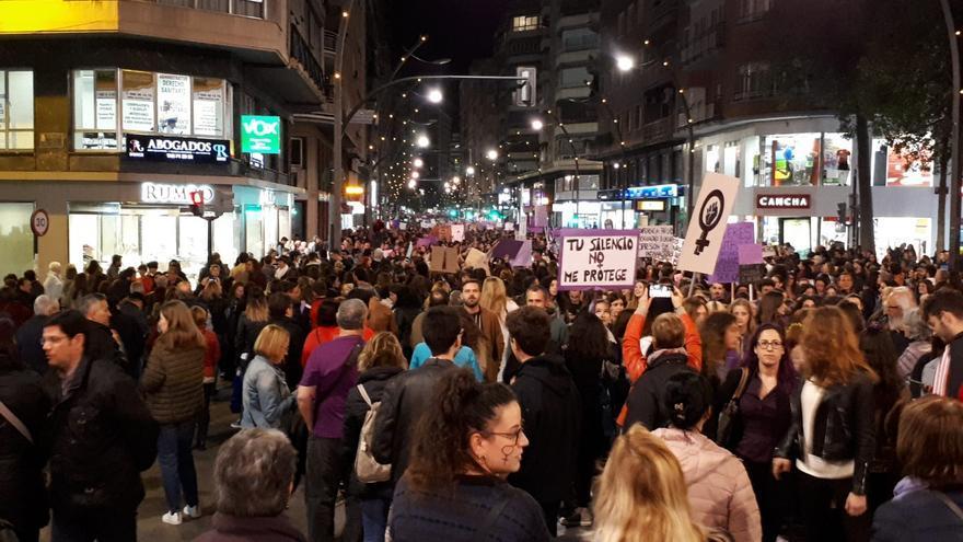 La Gran Vía de Murcia se encontraba abarrotada de manifestantes