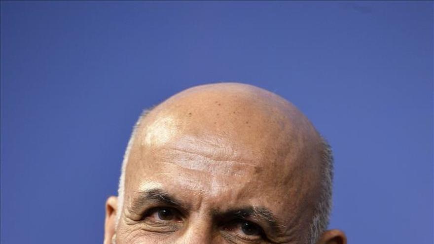 """El presidente afgano dice que se retomará el diálogo de paz """"en semanas"""""""