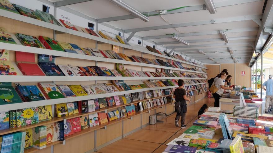 El expositor de una librería en la última edición de la Fira del Llibre de València.