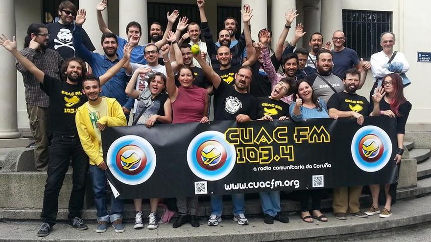 Parte del equipo que impulsa Cuac FM