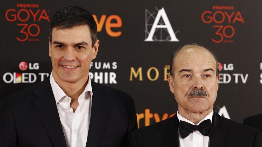 Pedro Sánchez en la gala de los Goya de 2016, cuando el actor Antonio Resines era presidente de la Academia