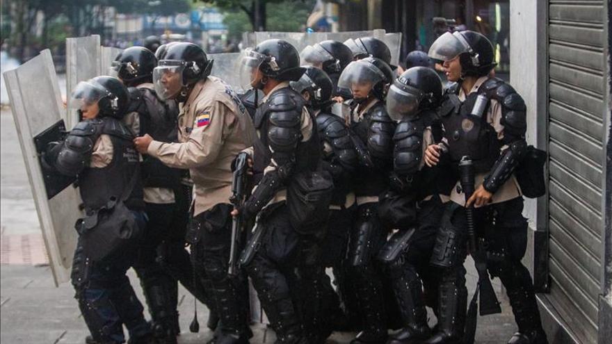 Enfrentamientos en el oeste de Venezuela dejan heridos y detenidos