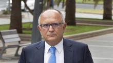 El expresidente de CajaCanarias sostiene que los cuatro millones que le dio un acusado eran para entrar en Binter