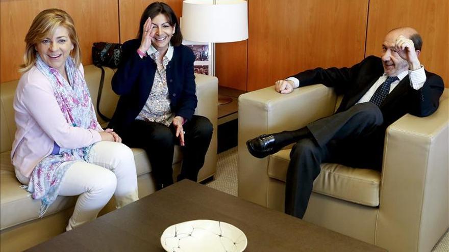 Rubalcaba y Valenciano apoyan a la candidata socialista a la alcaldía París