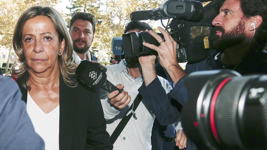 La tesorera del PP, Carmen Navarro, acude a a los juzgados de València para declarar como investigada por el caso Imelsa